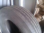 Автошина BRIDGESTONE 295/80 R22.5 б/у протектор 9мм 1 шт